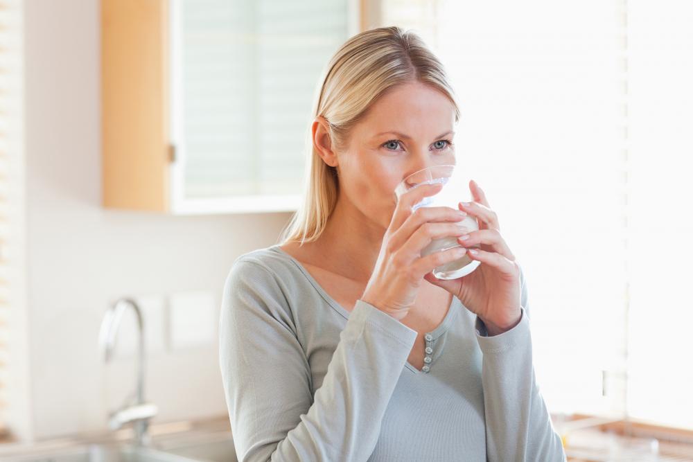 Медики рассказали, что произойдет со здоровьем, если пить теплую ...